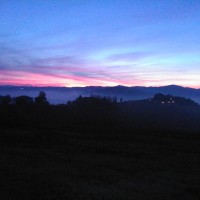 Sunrise of yesterday on our hill …. fantastic and unusual autumn